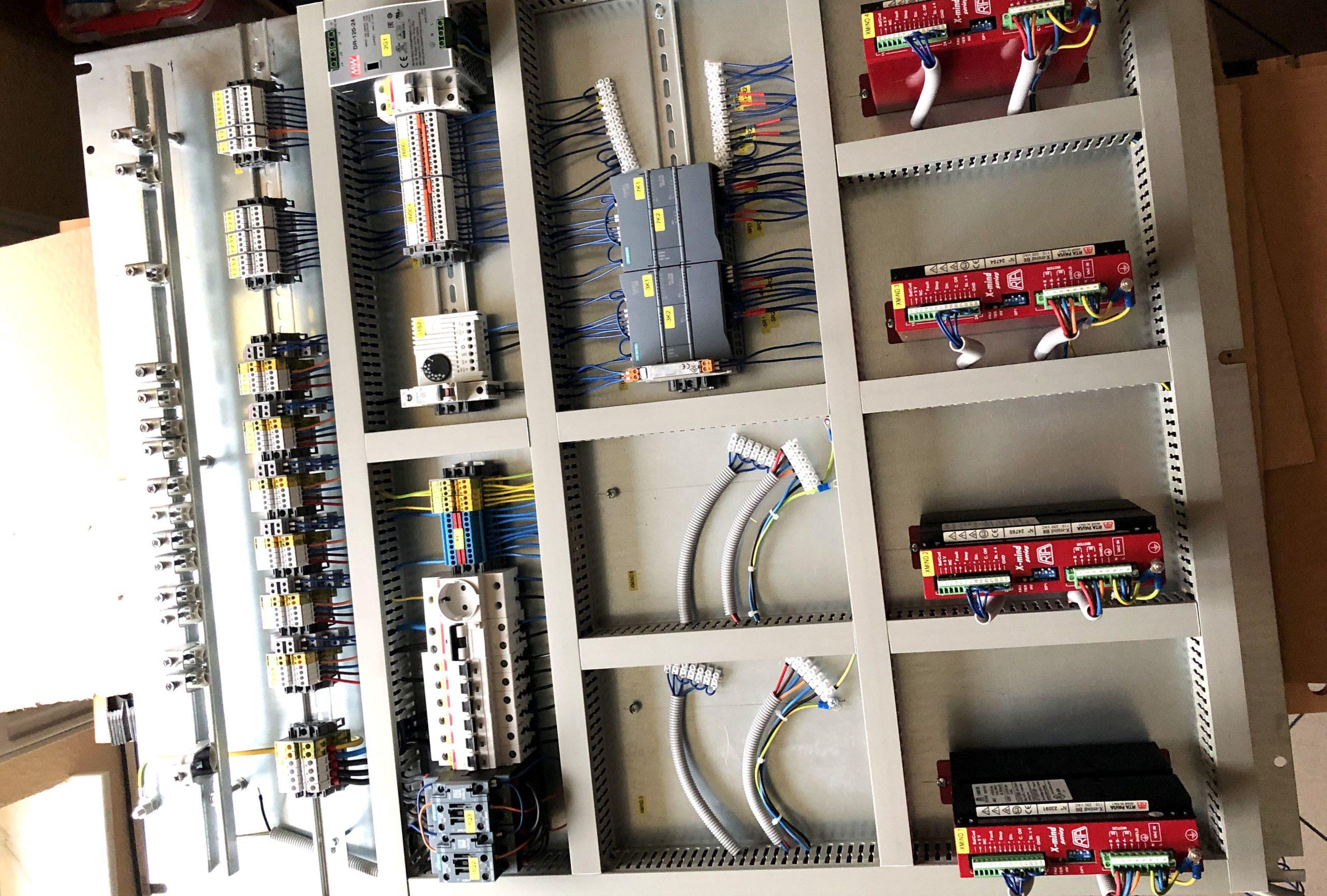 Schrittmotorensteuerung für die Papierindustrierie